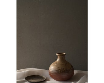Brown pottery & Brass tray