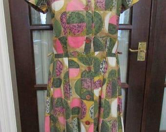 1950s green & pink geometric circle print button-down day dress, size 16