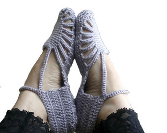 Hand Crochet Silver Gray Slippers / Gift for Her / Home Slippers / Bridal Slippers / Under USD 50 / Indoors Gift