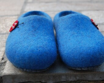 Slippers, wool, wool shoes, felt shoes, men's shoes, women's shoes, slippers for women, slippers for men.