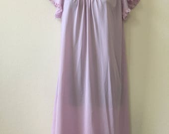 Lavender nightgown, 1960s nightgown, knee length nightie, small nightgown, vintage nightgown, purple nightie, lace trim, Nancy King, pinup