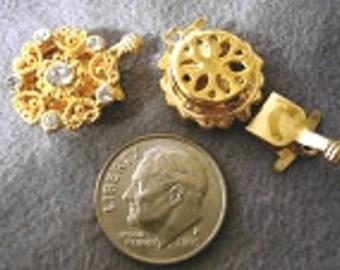 Swarovski Crystal Rhinestone 1 strand Pad clasp 18mm Gold Plated Metal Vintage Style  FPC060