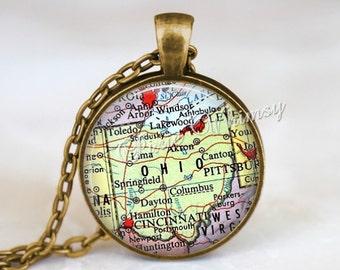 OHIO MAP Necklace, Ohio Map Pendant, Ohio Keychain, Ohio Necklace, Ohio Jewelry, Vintage Ohio Map, Ohio Souvenir, Ohio Pendant, Map Jewelry
