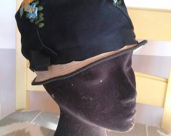 Vintage 1940's ladies womans hand painted black cloche hat
