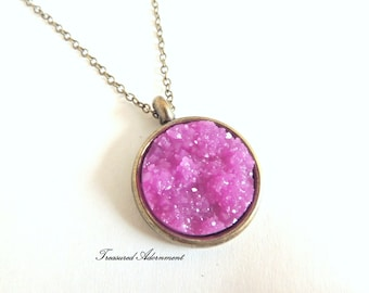 Druzy Necklace, Resin Druzy Fuschia Round, Vintage Style Necklace,  Thank you gift, Fuschia necklace, Valentine's Day gift, Birthday gift
