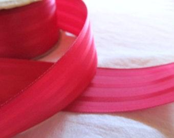 polyester stripe de satinée de ruban--1,5 pouces--rouge (de l'yard)