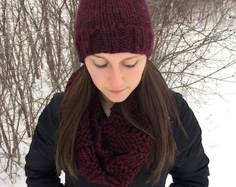 Classic Pom Knitted Hat in Claret