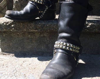 Pair of two row pyramid studded bootstraps