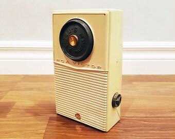1957 RCA Victor PT-1 Six Transistor Radio For Parts, Restoration or Decor