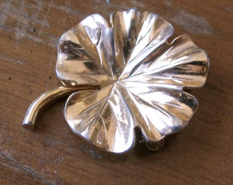 Vintage 1970's Gold Geranium Leaf Pin