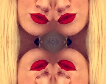 Red Lips Kiss