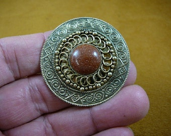 Orange Goldstone with on decorative scrolled trimmed round Victorian repro brass pin pendant BB310-5