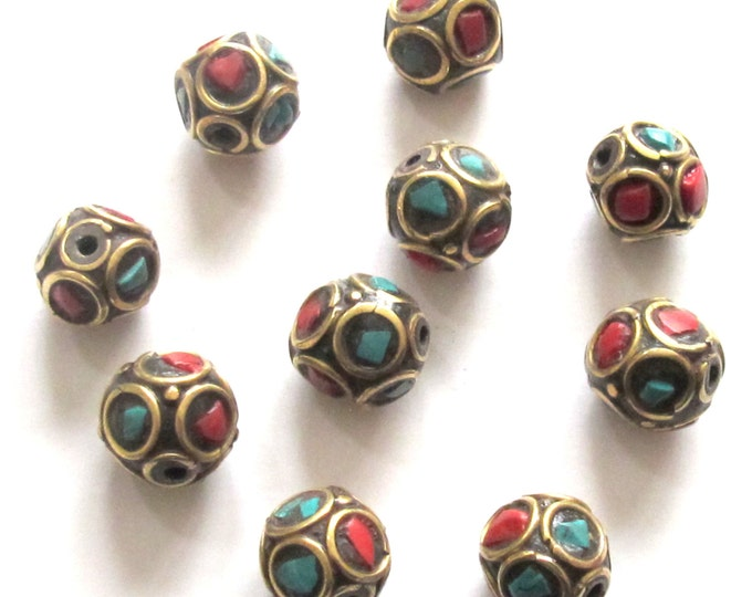 10  beads - Tibetan Oval shape brass beads from Nepal with turquoise coral inlay - BD480
