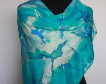 Hand-painted silk scarf (pongé 8), 90 x 90 cm, in turquoise, blue and white, combined techniques (V-0040)