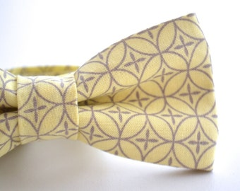 Mens Bowtie, Yellow and Gray Bow Tie, Adjustable Bowtie, Pre Tied Bow Tie, Light Yellow Bow Tie