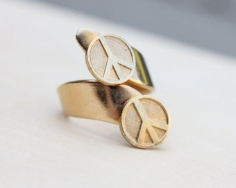 Gold Peace Twist Ring