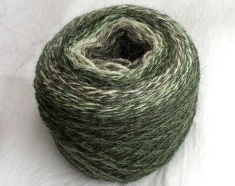 2-ply wool yarn, 90 g, 300 m, selfstriping green/offwhite/brown, Made in Sweden, rustique wool yarn, Swedish sheep breeds