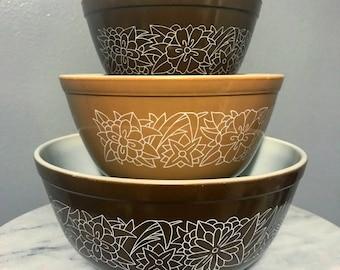 Vintage Pyrex 401 402 403 Woodland nesting bowls