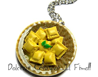 Flat collar ravioli cheese sauce and Basil - miniature gift - Italian - kawaii - polymer clay - cernit