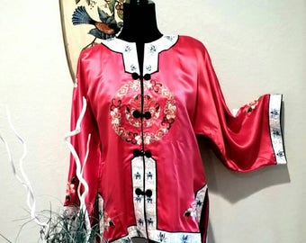 Vintage Chinese Red Silk Satin Cropped Kimono Jacket Chinoiserie Embroidered Pajama Top Chinese Beach Pajamas Top  Chinese Hotel PJs