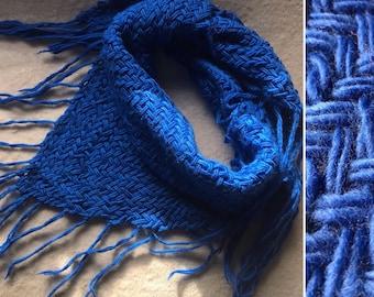 Shawl Scarf scarves handmade in triangular loom. Lana 100% wool. Triangle loom.