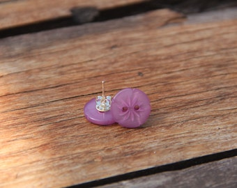 Earring studs // button earrings // purple button earrings // vintage buttons // eco gifts // purple // mauve