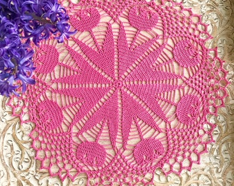 Crocheted Doyle from cotton. Pink flowers. Pink tulip. Crochet tulip. A gift for her.