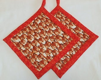 Quilted Foxes Potholders 2,  Fabric Hotpads Set of 2, Unique Handmade Pot holders Gift