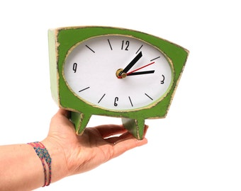 NO TICKING Wood Table Clock, Desk Fresh Green SILENT Clock, Unique Birthday Gift, Vintage style 70s, Winter trends, Mothers day gift