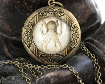 Octopus Locket, Octopus, Locket, Octopus Jewelry, Octopus Necklace, Nautical, Kraken, Steampunk, Steampunk Locket, Victorian Design, Squid
