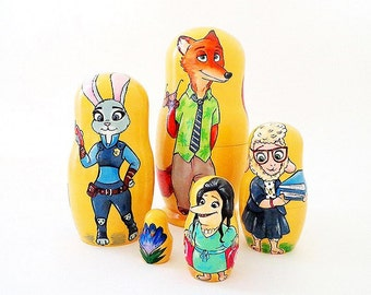 Zootopia Matryoshka Nesting Dolls // wooden russian stacking dolls 5 pcs