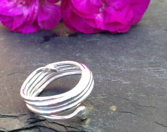 British handmade silver reticulated rope style ring