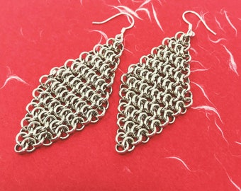 White gold chainmail earrings