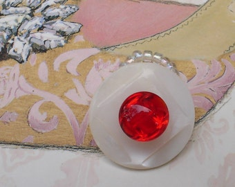 Vintage Buttons Ring, White, Mother of Pearl, Red Glass, Stacked, Pinky, Size 2 to 2.5