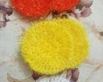 Crocheted circular scubbing cloths