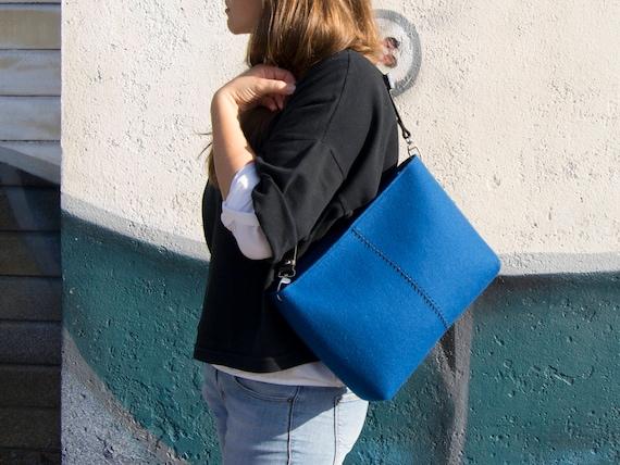 Felt CROSSBODY BAG with leather strap / crossbody purse / small crossbody bag w/ zipper / blue felt bag / wool felt / made in Italy