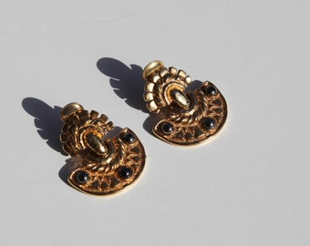 Unique vintage gold brass clip on earrings.