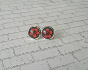 Red Flower Stud Earrings, Red Flower Earrings, Gifts for her, Stud Earrings, Hypoallergenic, Flower Earrings, Daisy Earring, Red, 10mm