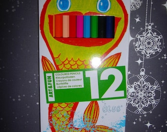 set of 12 pencils for drawing