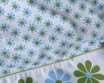 Vintage Blue and Avocado Green Daisy Daisies Flower Power Flat Sheet
