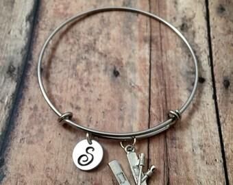 Skis initial bangle- ski jewelry, gift for skier, winter jewelry, snow ski jewelry, winter sports bracelet, skis bracelet, skiing jewelry