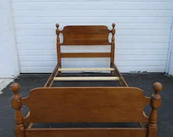 Solid Maple Twin Size Bed 8907