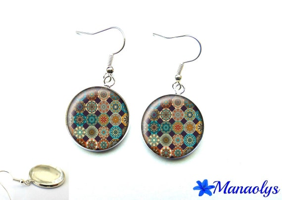 Silver earrings, round multicolored patterns on black background, 2932 glass round cabochons