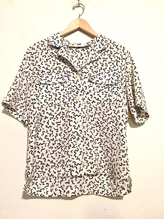 80s Black and White Print Button Up Blouse