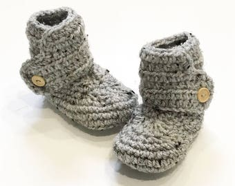 FREE SHIPPING! Baby boots, crochet baby boots, gray with wood buttons