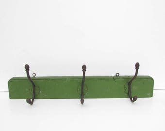 Vintage  Wooden Hanger Wall with Metal Hangers , Green Wooden Hanger, Wood Hat Rack, Retro Wooden Hanger , Vintage Wall Decor