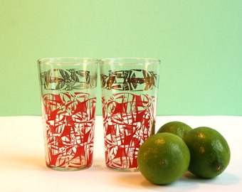 Nice set of vintage drinking glass tiki style