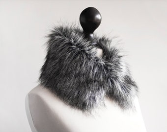 Grey faux fur collar. Faux fur wrap. Fur neck warmer. Womens fur collar. Fur scarf. Christmas gift under 25. Fake fur collar in grey. imali