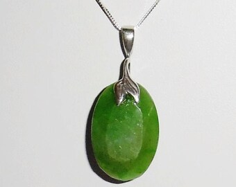 30ct Natural Columbia Oval Emerald gemstone, JBB designer SOLID sterling silver bail Pendant, Silver Box Chain
