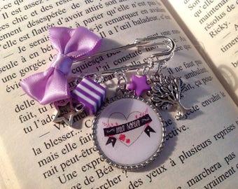 Gift sister sister cabochon brooch